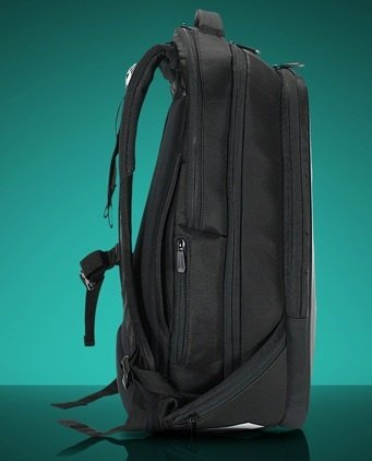 DELL AlienWare Vindicator 18 Backpack Black  batoh na notebook  pro  notebooky až 18.4