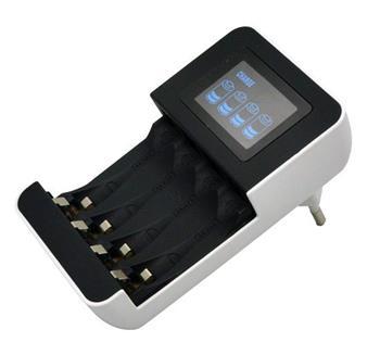 Solight nabíječka s LCD displejem, AC 230V, 450mA, 4 kanály, AA/AAA, řízená mikroprocesorem; DN25
