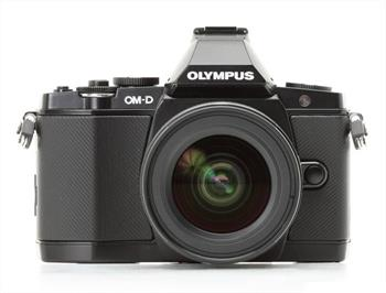 Olympus E-M5 + objektiv 12-50mm black; V204045BE000