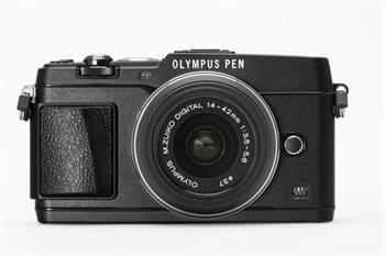 Olympus E-P5 black + objektiv 14-42 mm black + hledáček VF-4